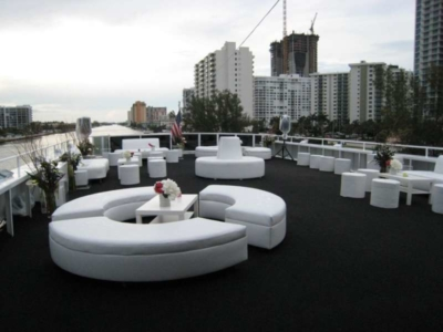 SOUTH-BEACH-LADY-YACHT-DECK-RENTALS-960x300