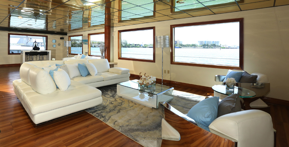 South Beach Lady Yacht Charter