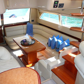 Luxe Ycaht ChartersMiami 55 ft yacht